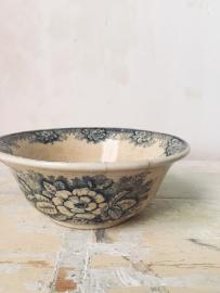 Frans beboterd kommetje/ French buttered bowl