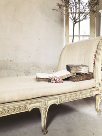 Antique french daybed 18th century