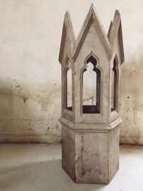 Oude franse kerktoren/ Old french church tower