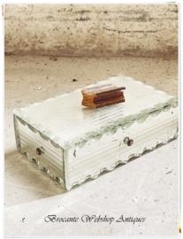 Frans glazen bijoux box