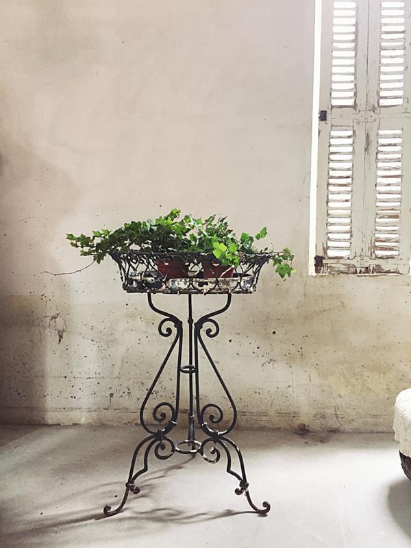 Franse jardinière   Rond model