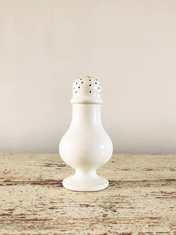 Porcelain shaker