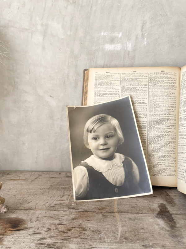 Grote oude kinderfoto
