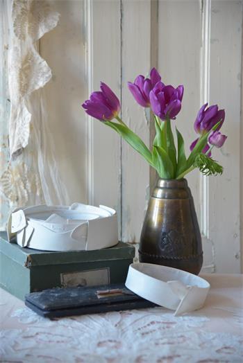 Vase, medium, dark antique gold