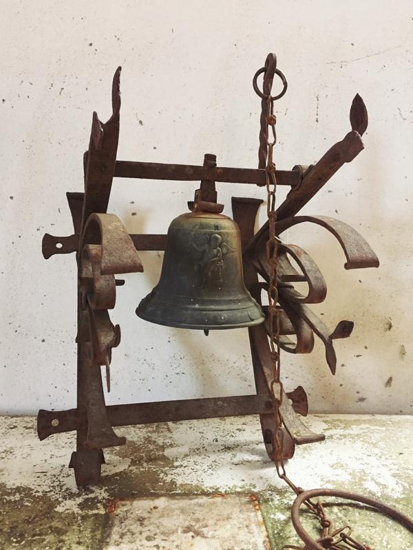 Antieke Bronzen Bel.Antieke Kloosterbel Antique Monastery Bell Verkocht