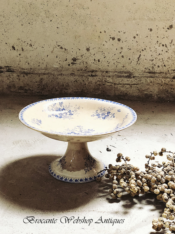 Old serving cake stand