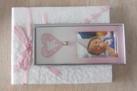 Kinderfotolijstje met hartje en belletje kleur roze