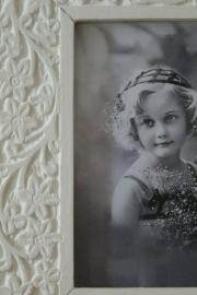 Witte houten fotolijst van Braxton Interiors