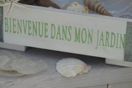 """Landelijk plantenbakje met tekst """"Bienvenue dans mon jardin"""""""