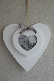 Houten fotolijst hartvorm met fotohart en lint