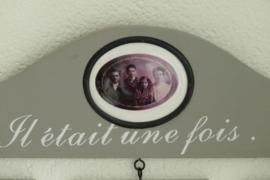 """Fotohouder voor 3 foto`s grijs met witte letters """"Il etait une fois...""""  van Clayre & Eef"""