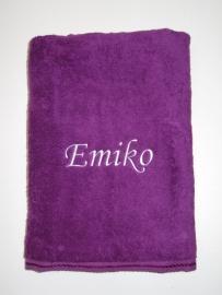 Luxe handdoek met naam 50 x 100 cm