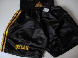 kick box broekje voorzien van een naam