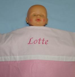 Lakentje met de naam van de baby