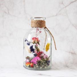 Fles met droogbloemen
