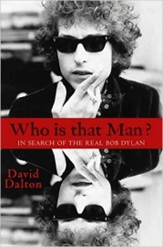 Who Is That Man?: In Search of the Real Bob Dylan Boek - Engels-