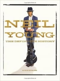 Neil Young - The Definitive History	Evans Boek -Engels-