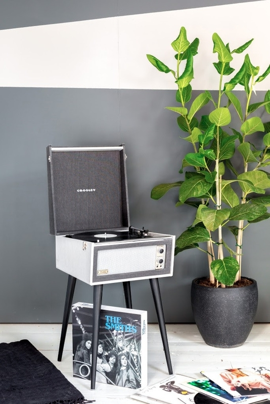 Crosley Bermuda Antraciet  + Gratis Plaat