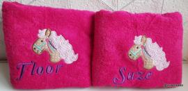 Handdoek groot  met naam: Paard
