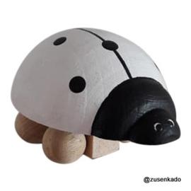 Houten lieveheersbeestje wit -Kidsboetiek