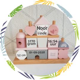 Label Label - Stapeltoren huisje roze - met naam