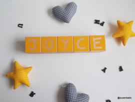 Letter blokken meisje  vierkant speels