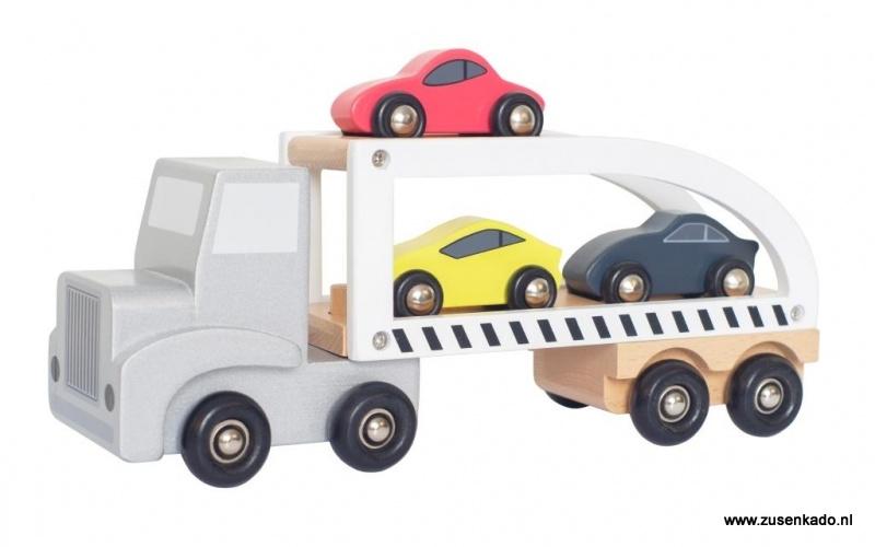 Truck  grijs -wit  met 3 auto's