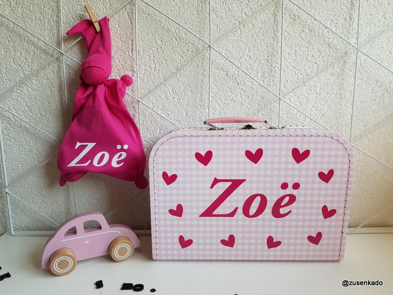 koffertje met naam: kleine hartjes