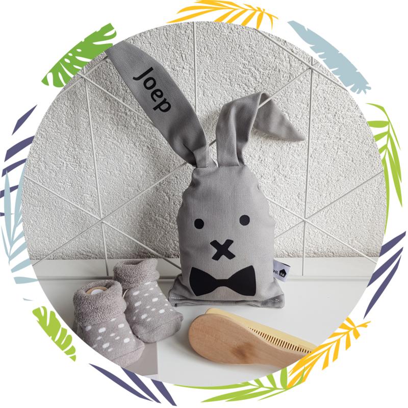 Rammelaar konijn  met strik grijs
