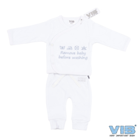 Twee-Delige Setje Wit 'Remove Baby Before Washing' - VIB-PJTW03