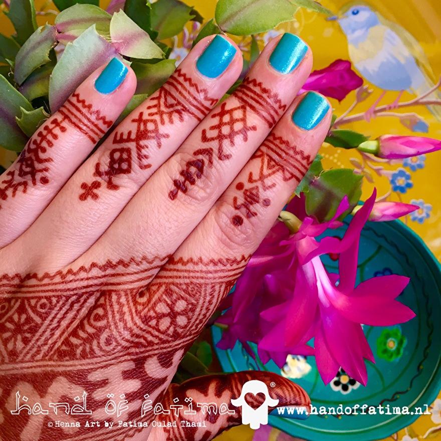 henna kleurresultaat na 48 uur mahonybruin hennastain