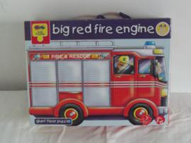 De grote rode brandweerauto