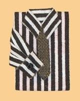 00725 Overhemd, gestreept, bruin/wit. (AT) (EM6495)