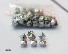 Studs vierkant zilver 8 mm 30 voor € 2,50