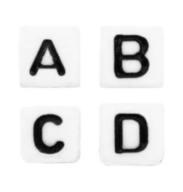 Wit met zwarte letters  5 x 5 mm.   50 voor