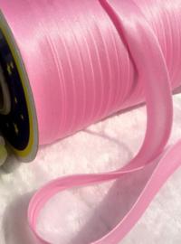 Roze.  per meter
