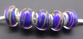 Blauw met gekleurde streep
