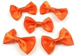 Oranje/rood  3.5 x 2 cm