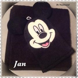 Handdoek met naam en Mickey Mouse washandje