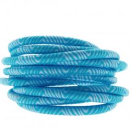 Blauw lichtblauw.    25 cm