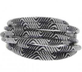 Zwart wit.   25 cm