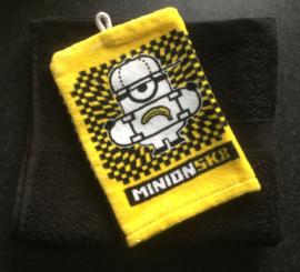 Handdoek met naam en  Minion washandje