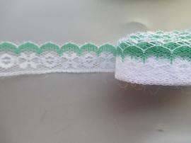 Groen wit kant