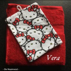 Handdoek met naam en Hello Kitty washandje