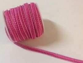 Roze met zilverdraad.  Per meter € 0,25