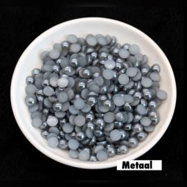 Metaal. 4 mm. 100 voor € 0,75