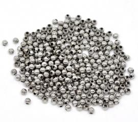 Zilveren ballen. 4 mm 30 voor