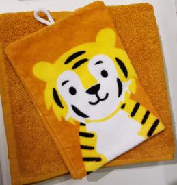 Handdoek met naam en leeuw washandje
