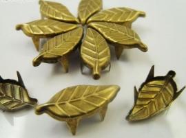 Blaadje Brons 10 voor € 1,00  8 x 19 mm