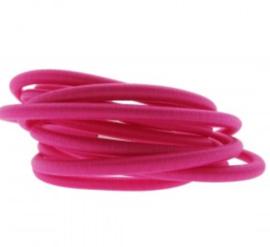 Donker roze. 25 cm
